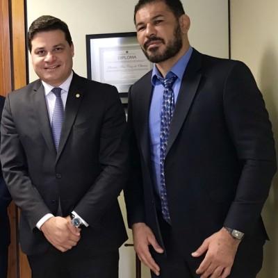Lutador de MMA e embaixador da UFC Rodrigo Minotauro