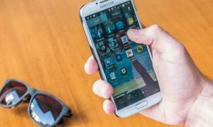 Comissão na Câmara aprova PL que obriga habilitação de chip de rádio FM em celulares