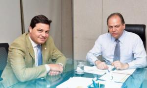 Ministro confirma a Sandro Alex investimentos contra o câncer em Ponta Grossa