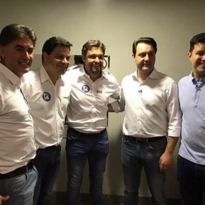 Com os amigos Ratinho Jr, Guto Silva, Paranhos e Tiago.
