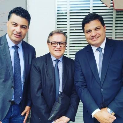 Ao lado do novo Ministro da Educação Velez Rodriguez e o prefeito de Ponta Grossa Marcelo Rangel.