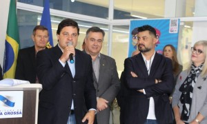 Sandro anuncia compra de aeronave para o serviço aeromédico noturno