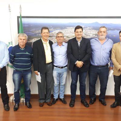 Recebi os representantes de Siqueira Campos, prefeito, vereadores e lideranças.