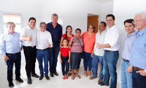 Estado entrega novas unidades habitacionais em Jaguariaíva